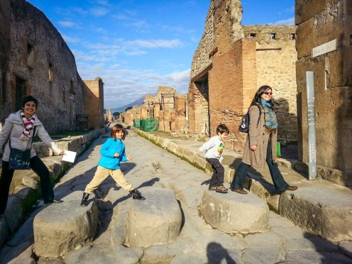 Private-Tour-Pompeii-For-Kids-005