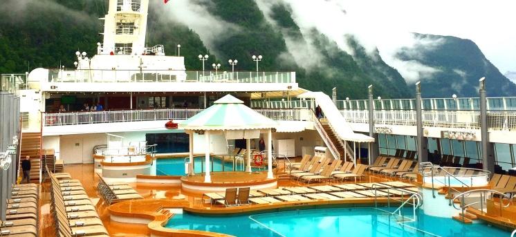 Norwegian Jade pool