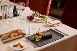 Silver Muse, Atlantide, Steak, Bread Rolls, wine, meal, table