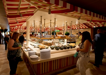 Guests aboard the Carnival Horizon choose from offerings at the Lido Marketplace dining area. Photo by Andy Newman/Carnival Cruise Line