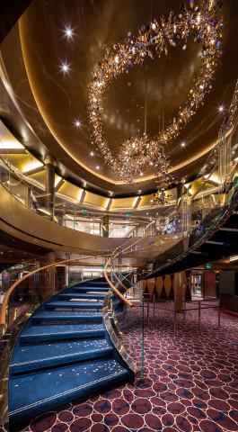 NSDM18-Staircase2R_480px
